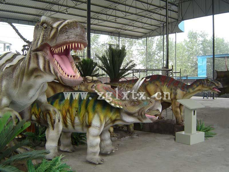 仿真恐龙组景