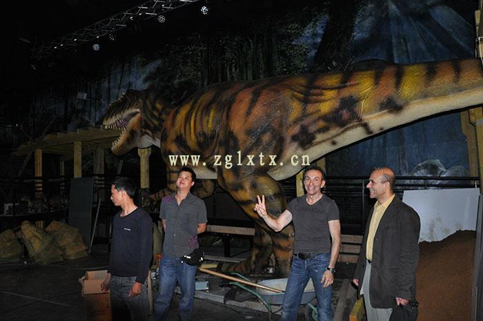 法国动物园恐龙展厅安装现场图十