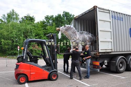 法国动物园恐龙展厅安装现场图八
