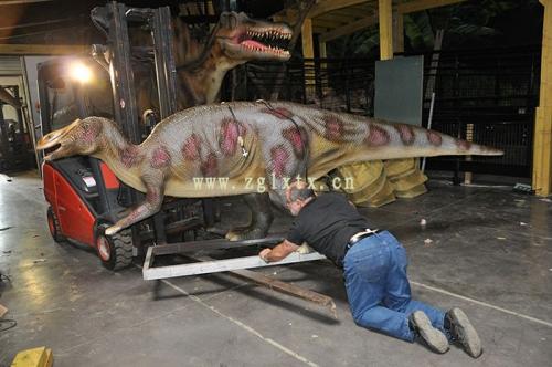 法国动物园恐龙展厅安装现场图三